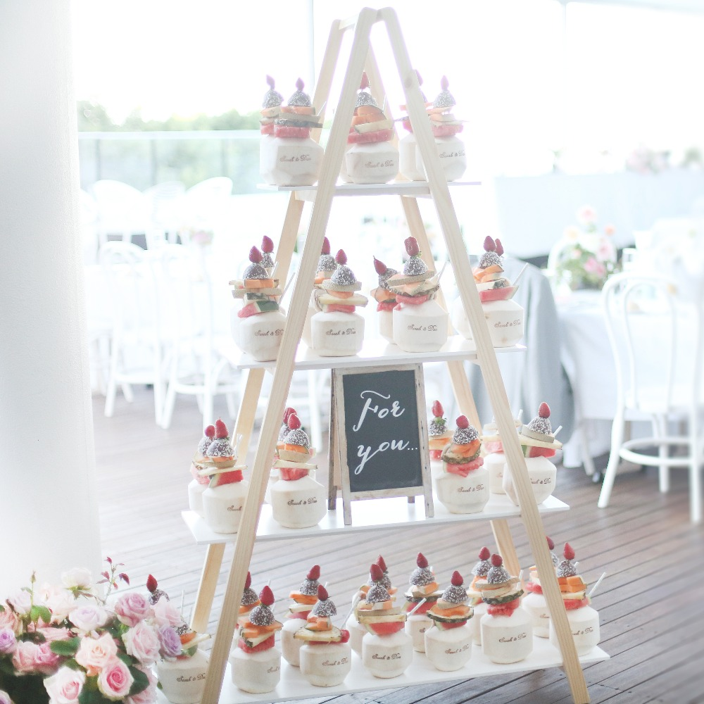 LADDER SHELF - DRINKS, DESSERT, GIFT