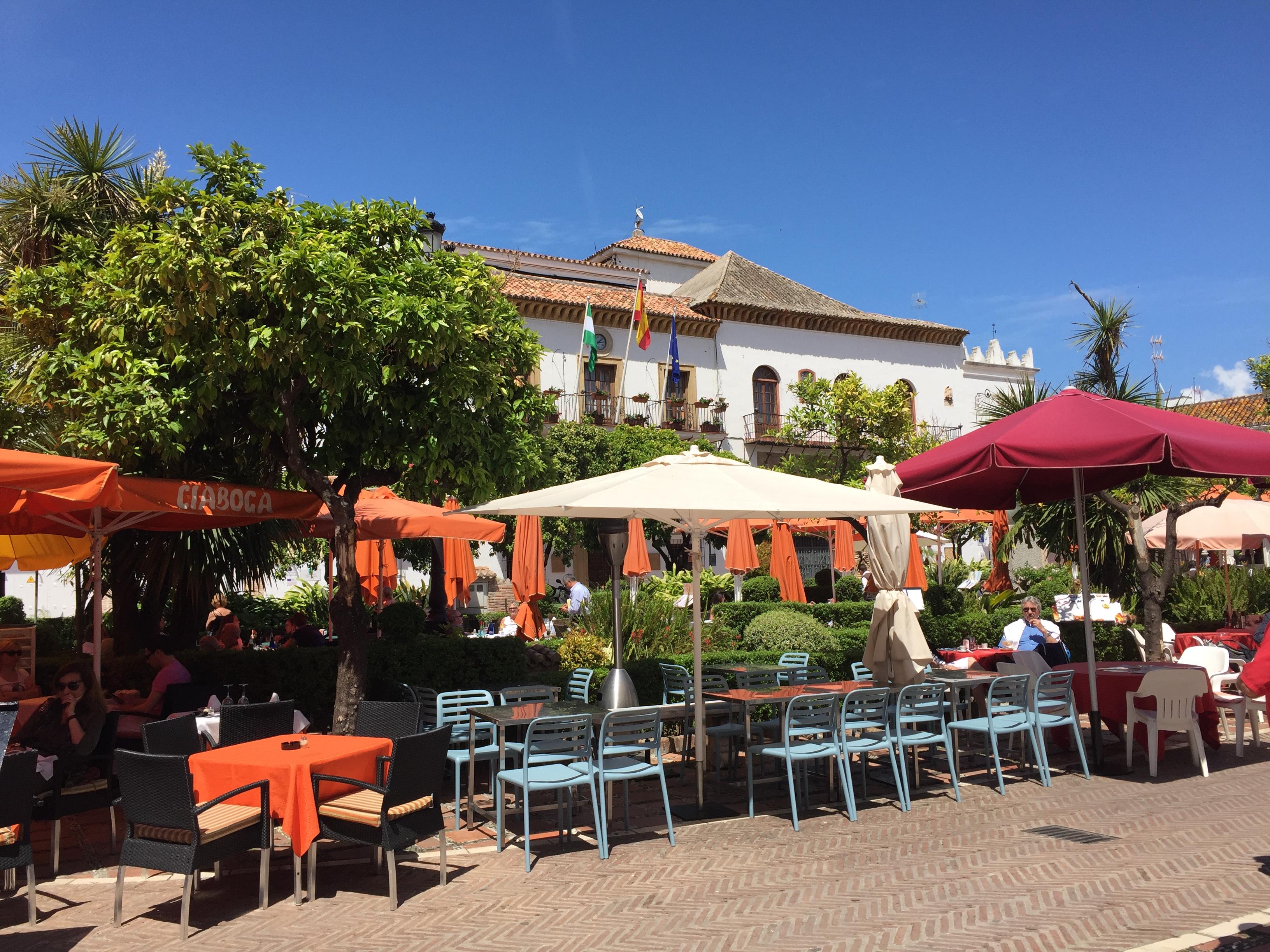 Оранжевая площадь Марбелья