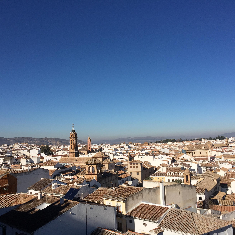 Вид на Антекеру из Алькасабы