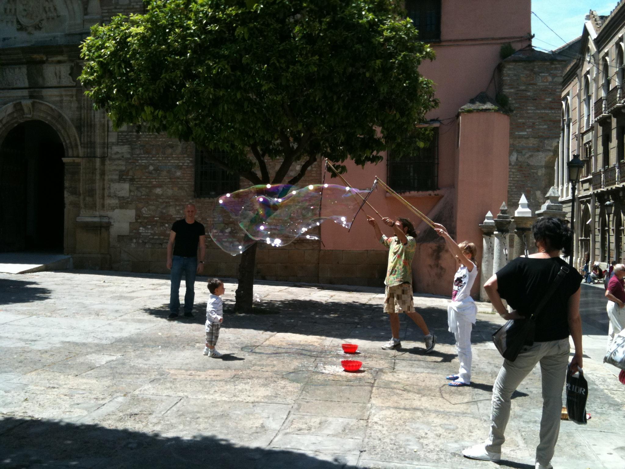 Уличные факиры в Малаге