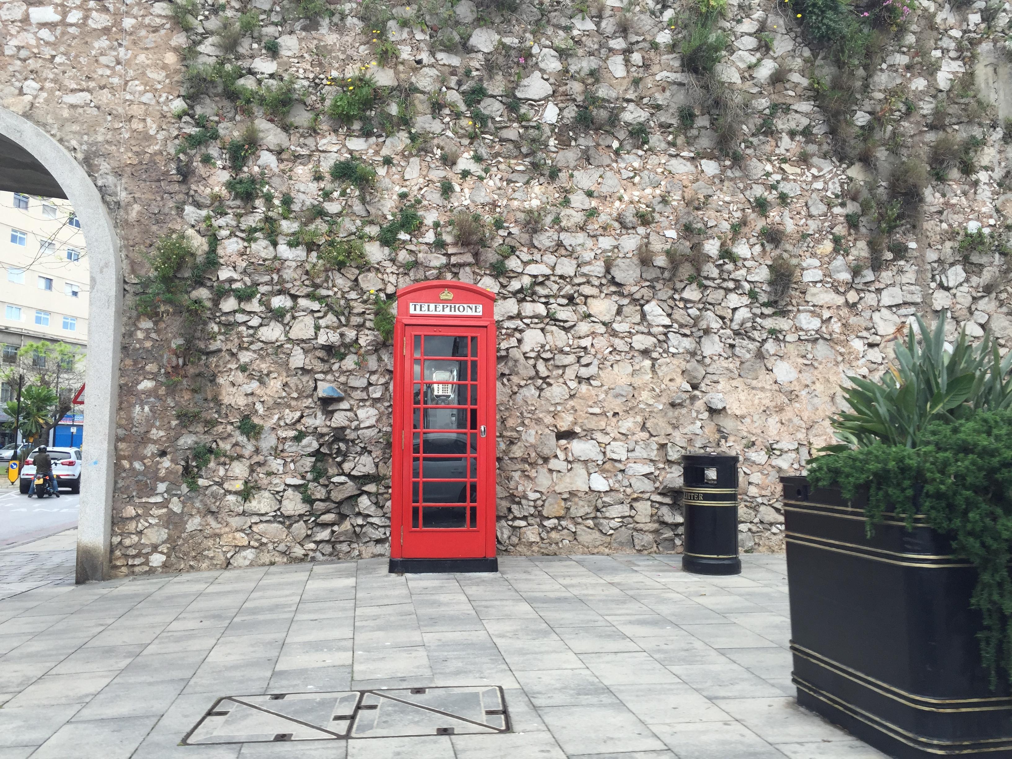 Английская будка в Гибралтаре