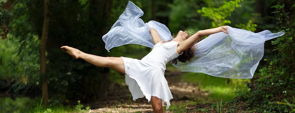 f-dancer-forrest-crop.jpg
