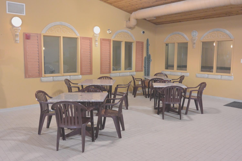 Altona Hotel Pool Area