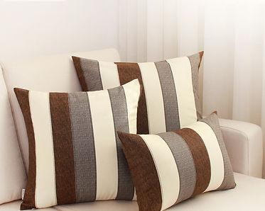 при перетяжке дивана подушки в подарок