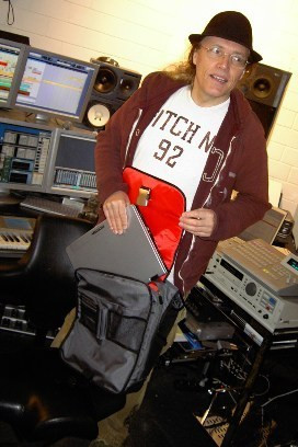 Volker Barber with his Kava Laptop Studio Bag