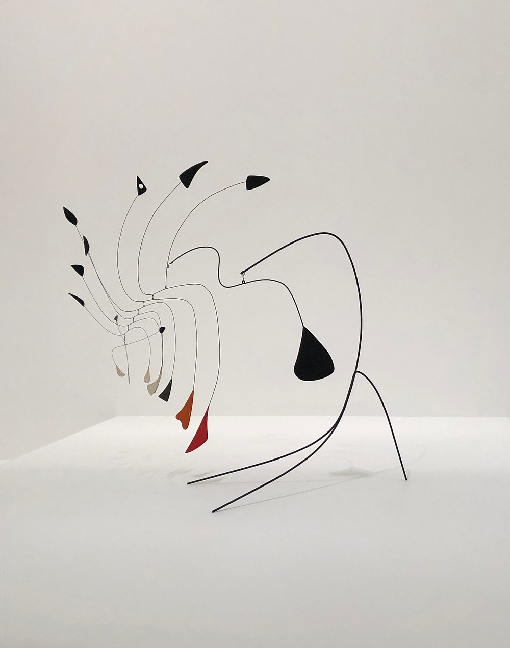 ALEXANDER CALDER  Little Spider, c. 1940; National Gallery of Art, USA
