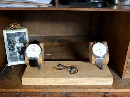 Cadeau de mariage pour les amateurs de montres : le porte montre Ponctuel(le)