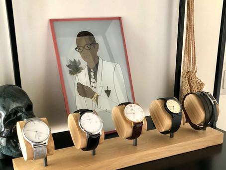 Boite à montres et présentoirs à montres, quelles sont les différences ?
