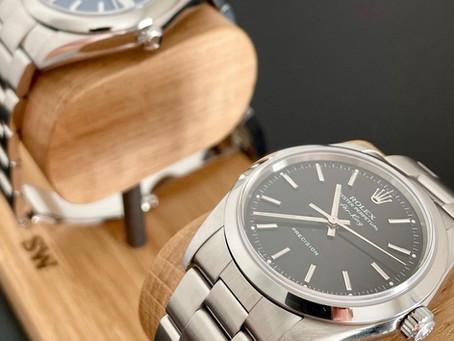 Les porte-montres Ponctuel-le, LE présentoir à montres pour une PLV originale