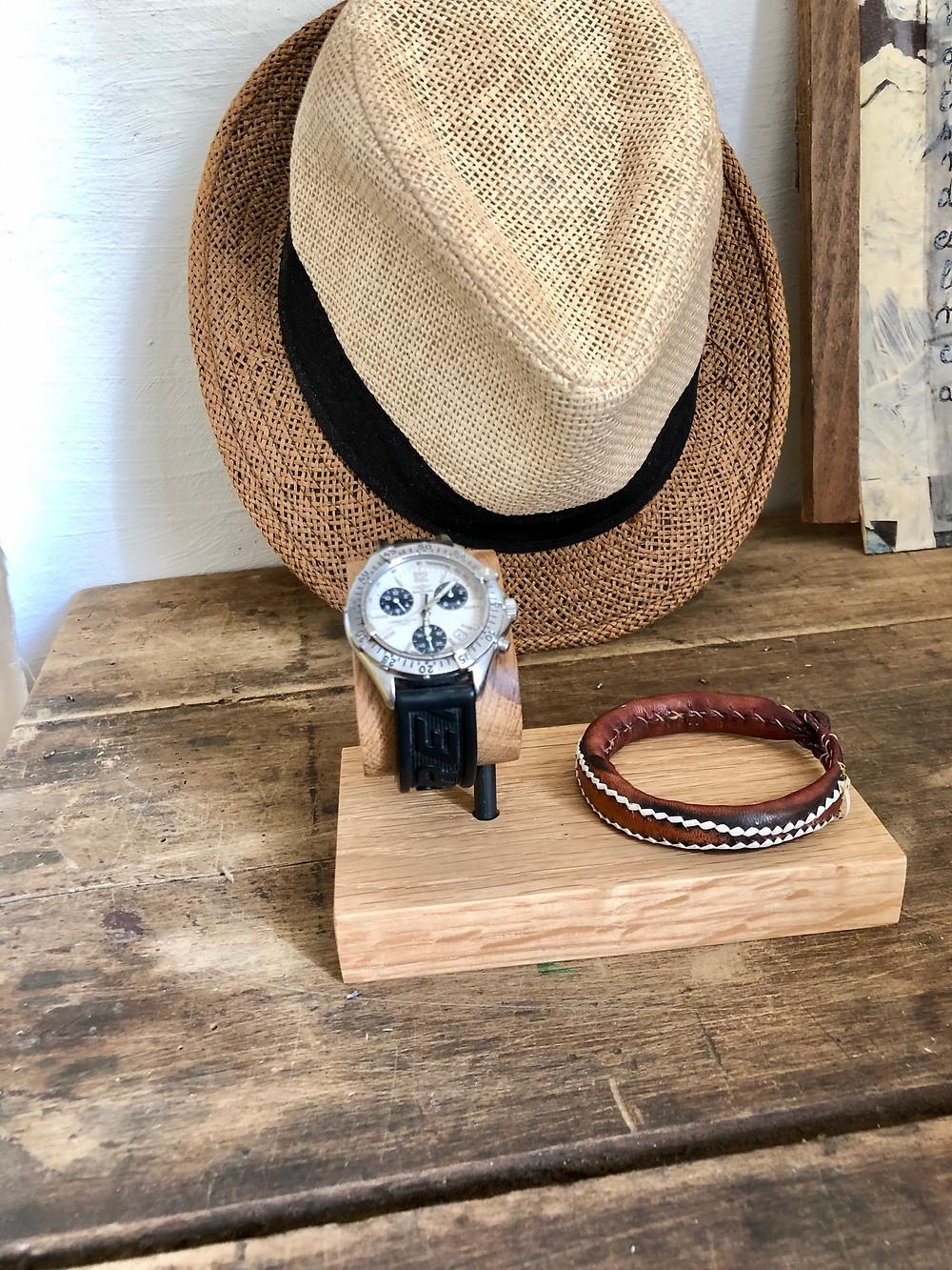 Pourquoi choisir un porte-montre en bois