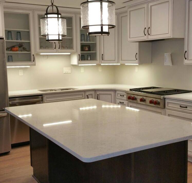 Quartz - Caesarstone  Color - Bianco Drift