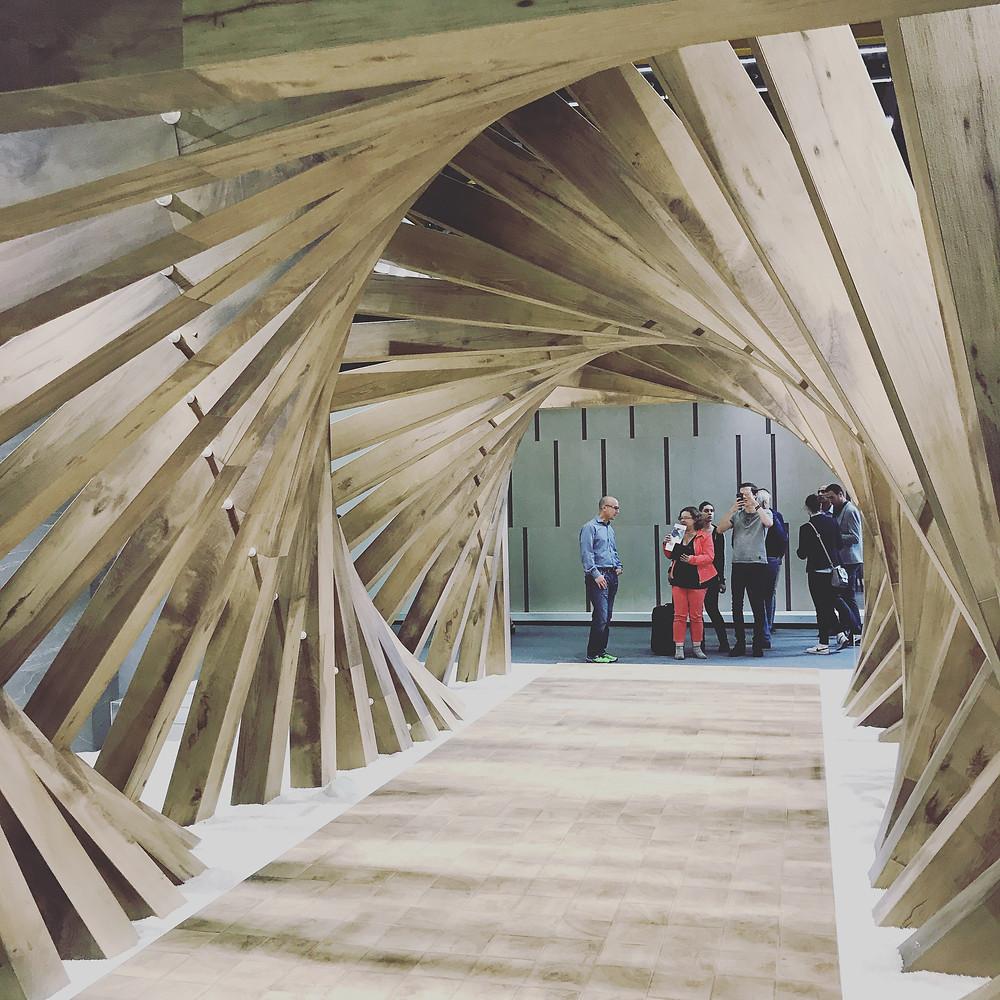 A twisting tunnel display at Cersaie 2017.