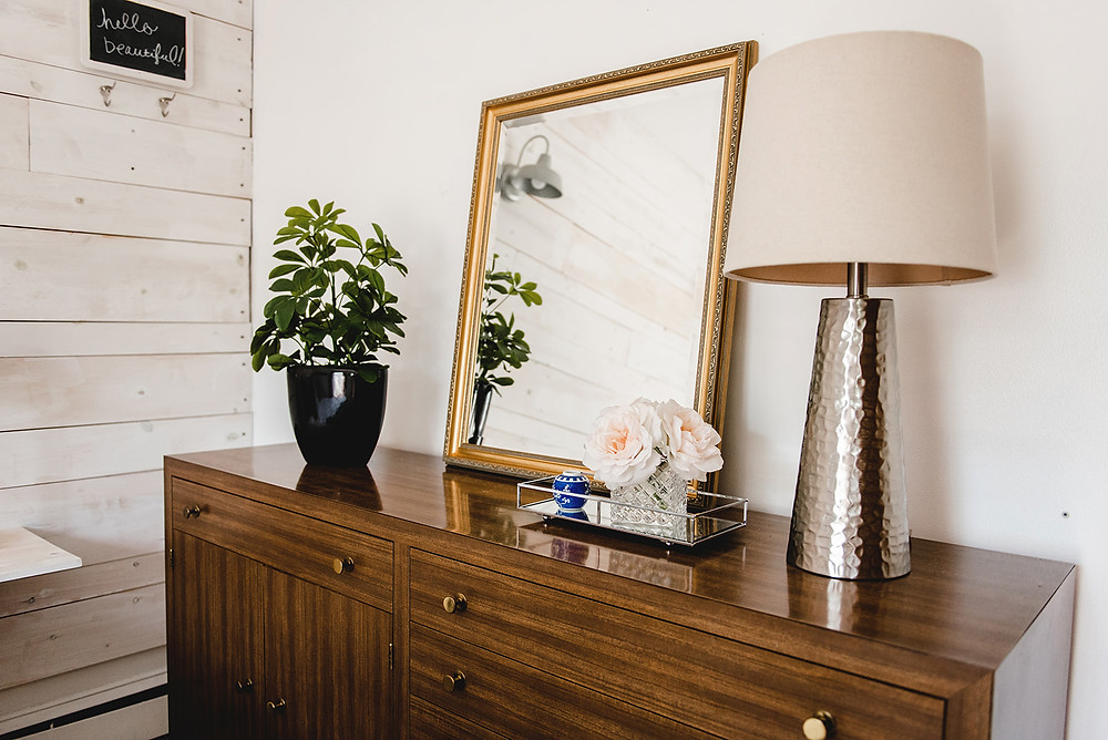 MCM console with mirror and lamp