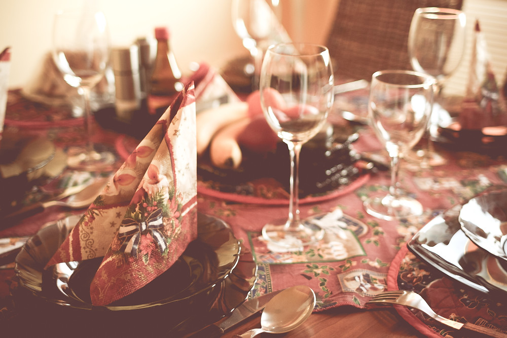 A picture of a table decorated for Christmas.