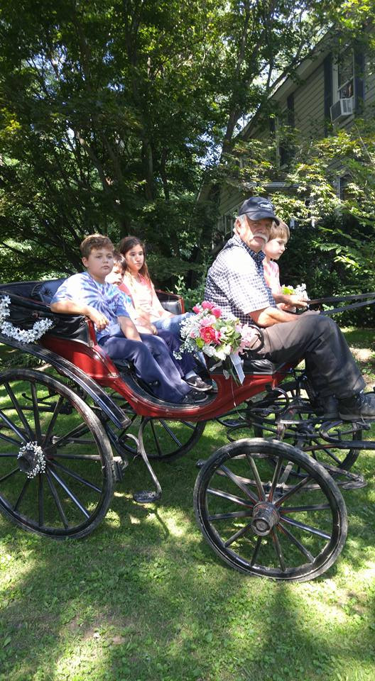 Delware 4-H Group going for a carriage ride at our farm