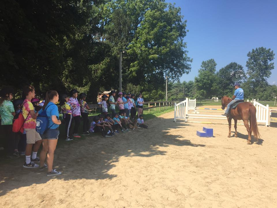 Riding demonstration for a 4-H group