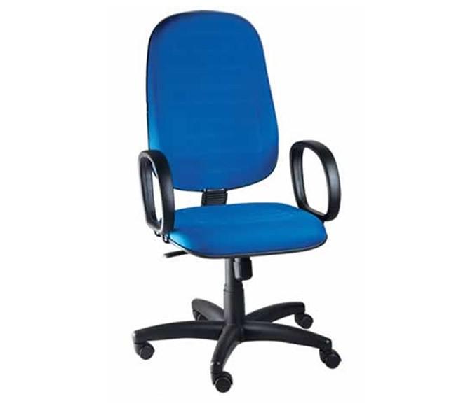 Cadeira_presidente_com_lamina_com_braço_
