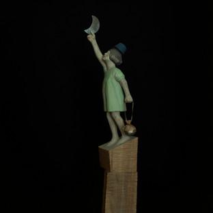 新しい夜に似合う灯びを整えるのは アテナの大切な仕事だ  It is Athena's important job to prepare the suitable lights for the new night.  11 x 8 x 46 cm 木 / wood 2020