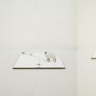 handkerchief 01 (left) handkerchief 02 03 (right)  25.5 x 25.5 x 7 cm (01) 25.5 x 13 x 6 cm (02) 13 x 13 x 6 cm (03) 木 / wood 2010