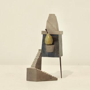house 05  8 x 6.5 x 16.5 cm 木 / wood, 鉄 / metal 2011