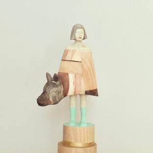 いつの間にか彼女の中に膨らんだ自信と憧れは 彼女に不思議な力を与えた  The self-confidence and aspiration that expanded in her gave her the mysterious power.  15.5 x 11 x 37 cm 木 / wood 2020