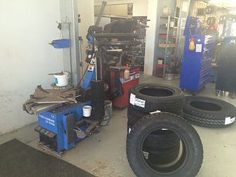 Hawker Tyres South Australia Tyre Supply and Fitting | Wheel Balancing | Front End Alignments | Mechanical Services | Diesel & Unleaded | Breakdown service
