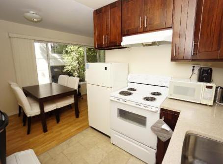 Warring Street unit 102 1 bed/1 bath $1950/mo