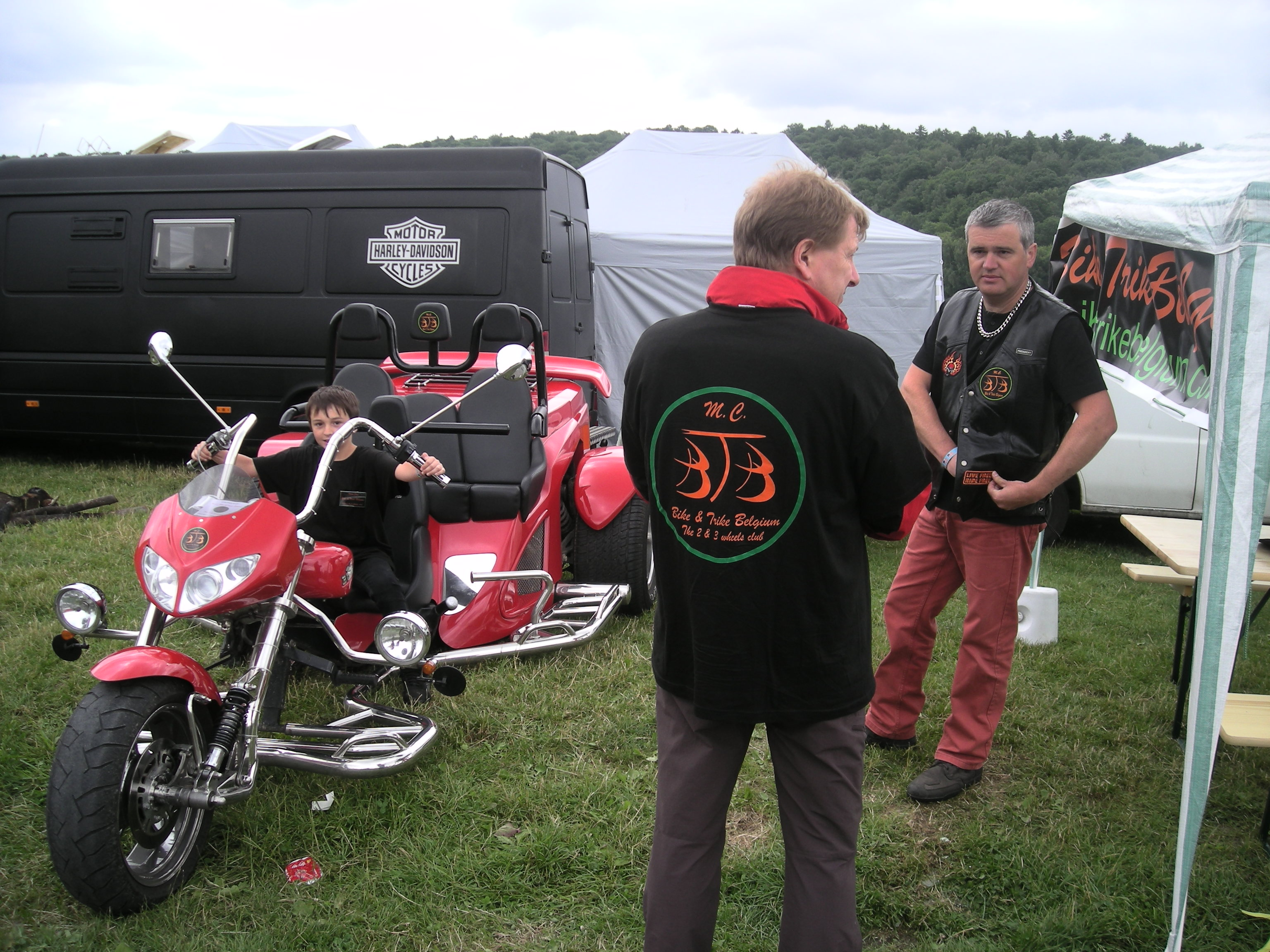 King Trike 14 et 15-06 (6).JPG