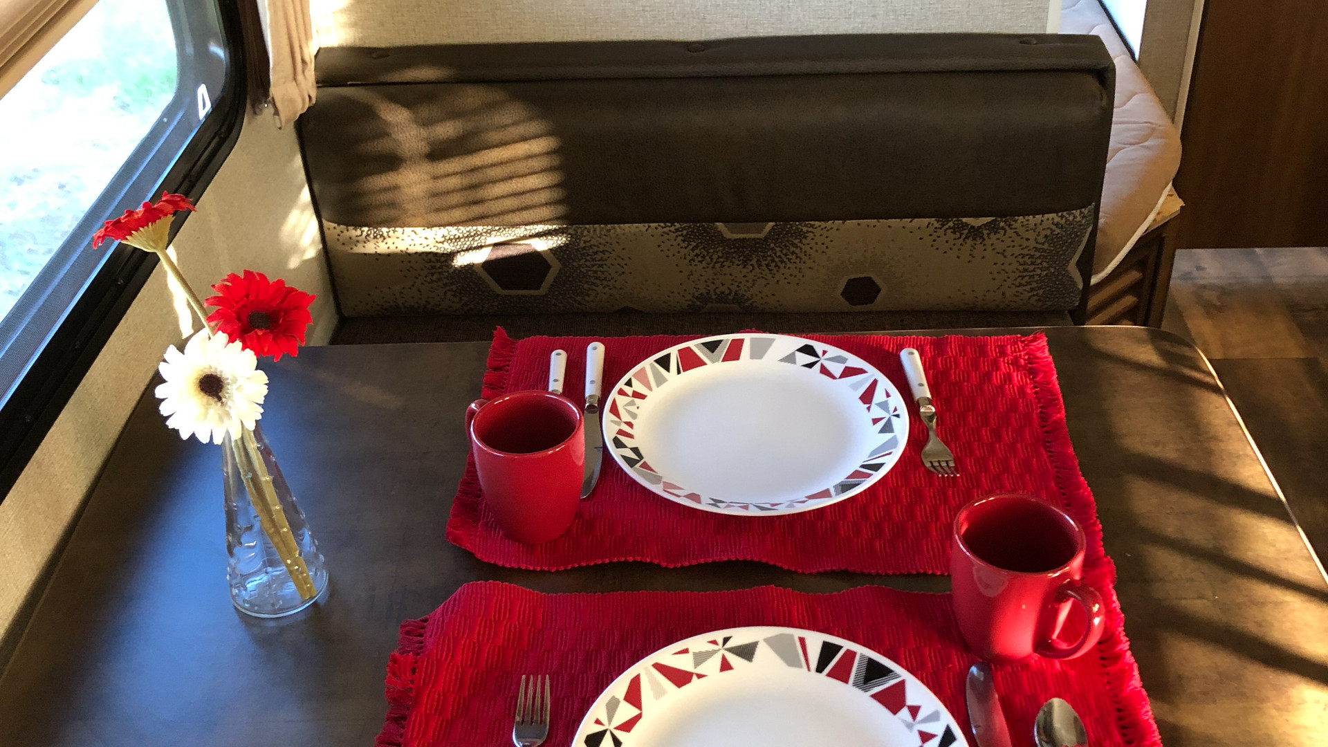 Josephine - dining table