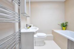 bathroom-1336164