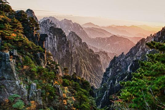 Huangshan Mountains2.jpg