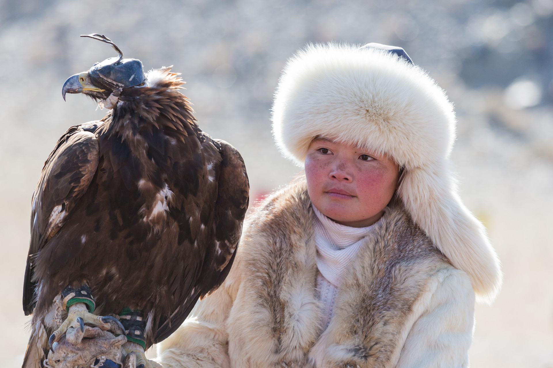 Eagle Huntress Aisholpan 2.jpg
