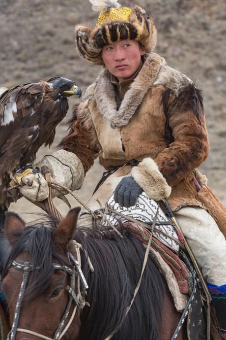 Mongolia Eagle Hunter 20.jpg
