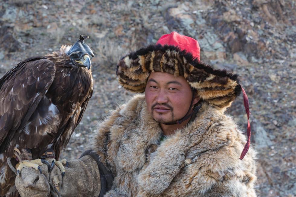 Mongolia Eagle Hunter 9.jpg