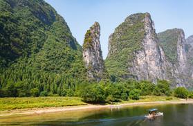 Along the Li River1.jpg