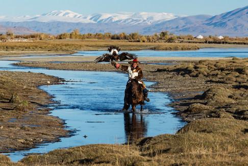 Mongolia Eagle Hunter 35.jpg