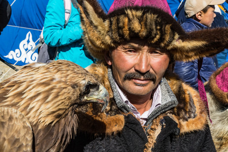 Mongolia Eagle Hunter 23.jpg