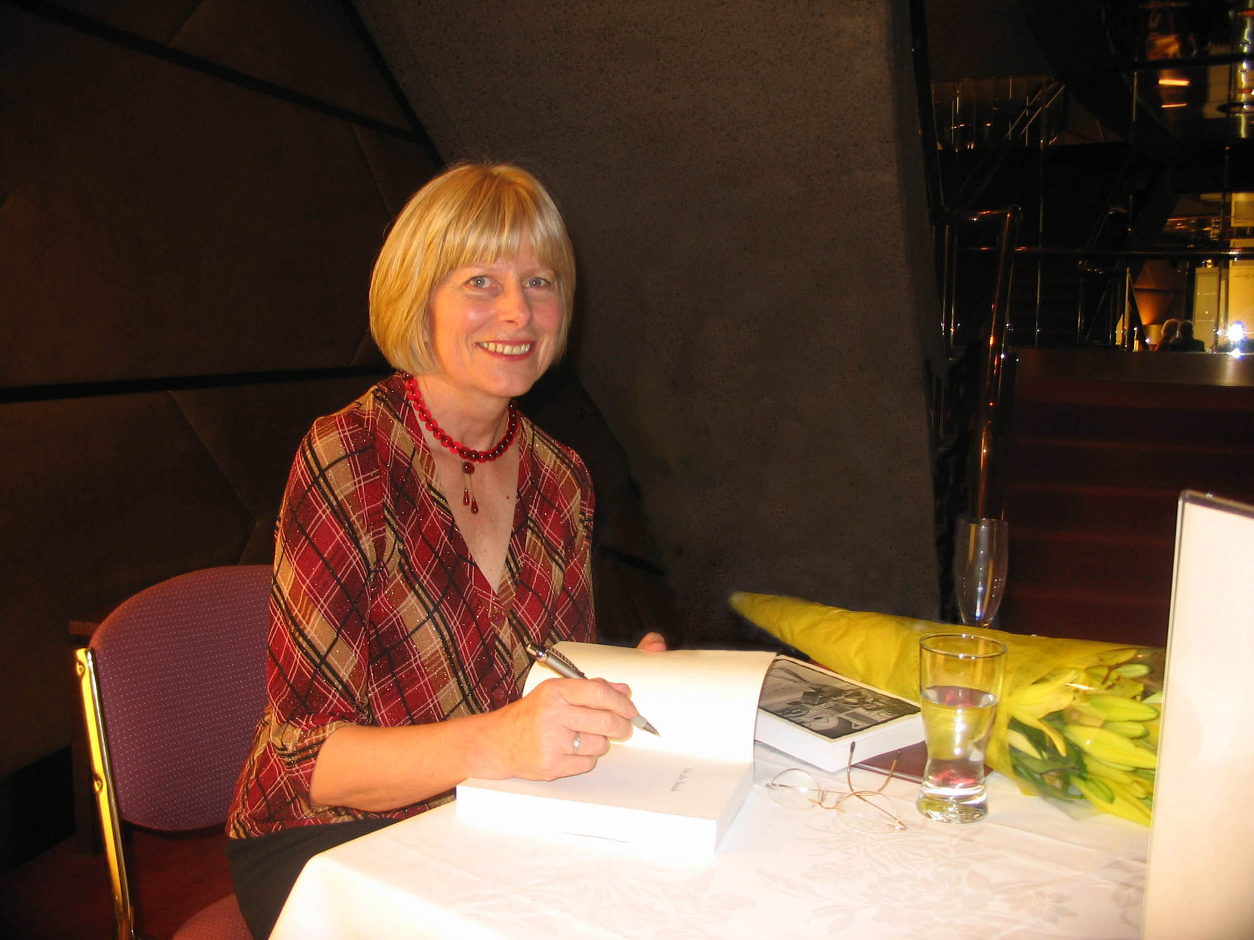 helen martineau book signing