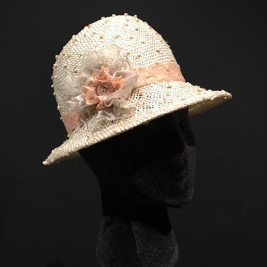 Staw Hat, 2018