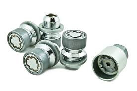 Install one locking wheel nut/bolt per wheel