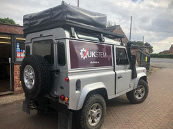 Simple Land Rover graphics done today #f
