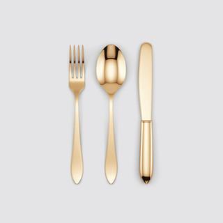 Золотые столовые приборы