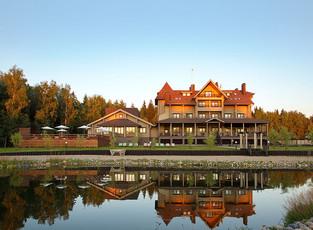 По итогам 2018 года загородный эко-отель «Лепота» получил награду Guest Review Awards от Booking.com
