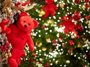 Рождественские интерьеры и атмосфера праздника в парижских отелях Dorchester Collection