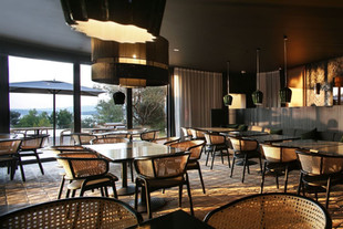 The A•Bay Beach Bar - новый пляжный бар в Maslina Resort