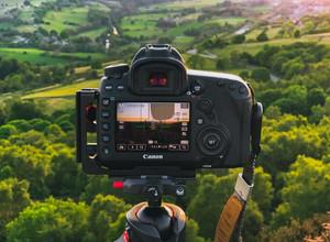 Половина россиян обрабатывает фотографии из отпуска в специальных редакторах