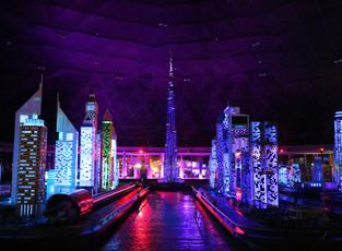 В Legoland Dubai стартовало красочное ночное шоу