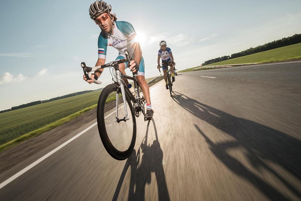 turpressa.com Hampton by Hilton поддержал двух велогонщиков на трассе велогонки Red Bull Trans-Siberian Extreme