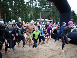 В «Ярославском Взморье» прошли соревнования по плаванию на открытой воде Hydra swim cup Коприно