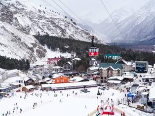 """Пока в """"Эльбрус"""" вкладывают 7 миллиардов, туристы штурмуют Красную Поляну в Сочи"""